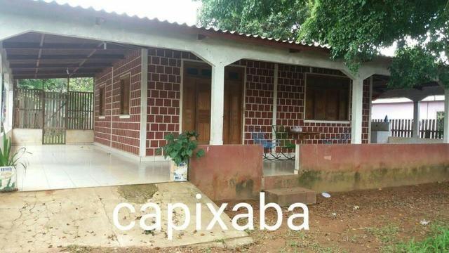 Casa no Centro de Capixaba