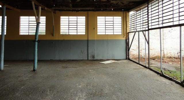 Pavilhão p/ estacionamentos, terreno e casa Centro 620 m2 Caxias do Sul - Foto 3