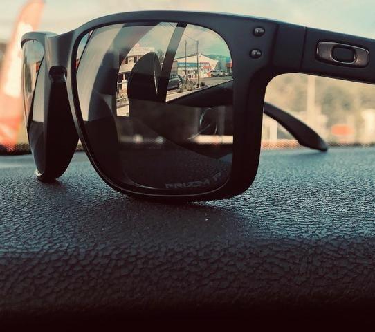 6bf32da9fb782 Óculos de Sol Oakley Holbrook Polarizado (Entrega Grátis ...