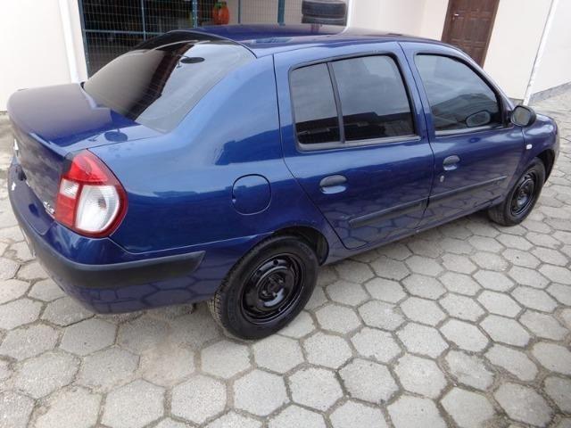 Renault Clio 1.0 Sedan - 2005 - Foto 4