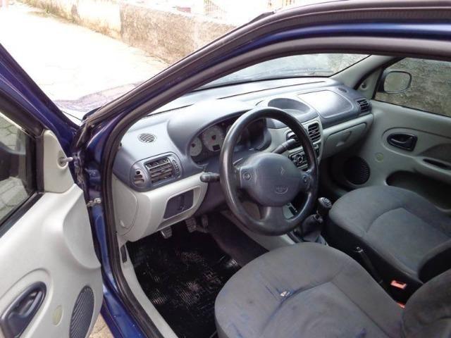 Renault Clio 1.0 Sedan - 2005 - Foto 8
