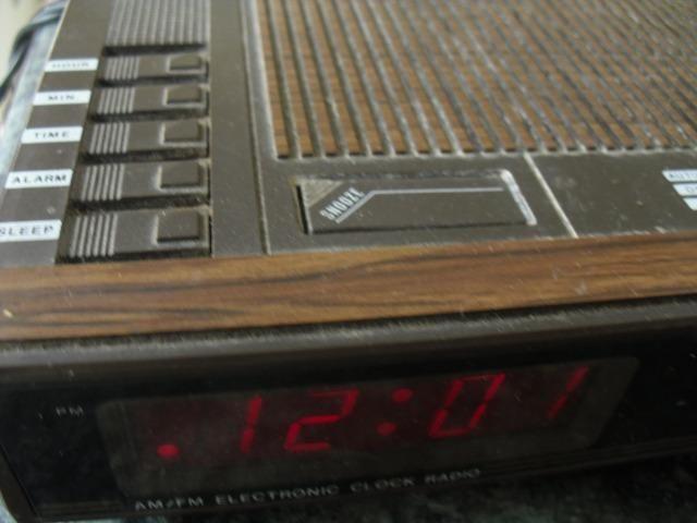 Rádio Relógio Roadstar - Foto 3