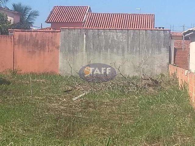 ALX-Fração de 150 m², dentro do condomínio Verão Vermelho em Unamar-Cabo Frio