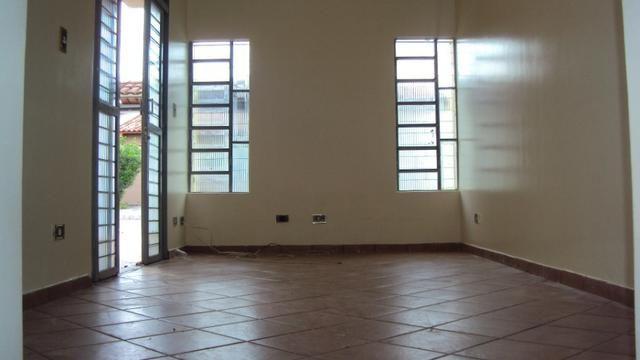 Casa de três quartos, confortável - Jardim Vila Boa - Goiânia-GO - Foto 5