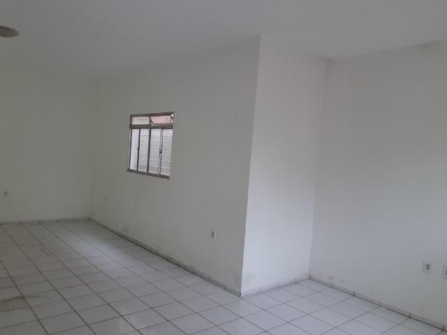 Vende-se ótima casa no bairro DNER, 3 quartos, 3 banheiros. ótimo preço 200 mil - Foto 5