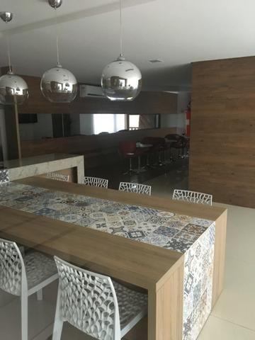 Na Ponta Verde com 99m², 03 Quartos e 02 vgs de garagem . Aceita Financiamento Bancário - Foto 12