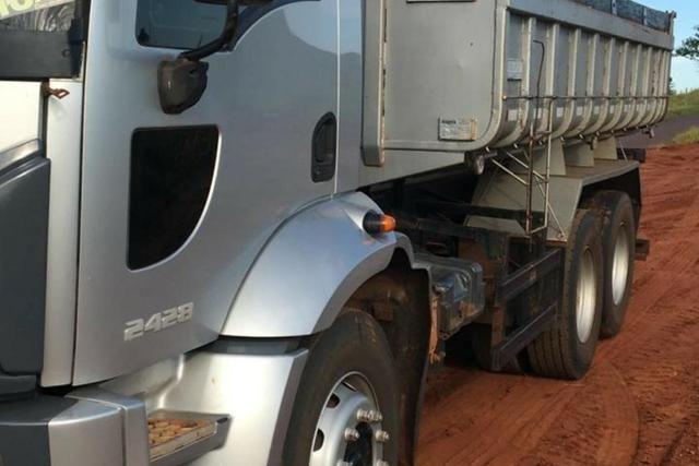 Cargo 2428 caçamba 11/12 - Foto 4