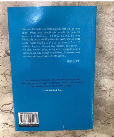 Livro A Culpa é das Estrelas - John Green - Foto 2