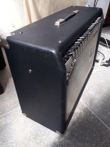 """Fender Ultimate 2x12"""" DSP Chorus (México) parcelo no cartão/ML avalio trocas - Foto 5"""