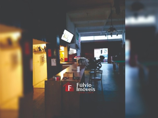 Prédio Comercial e Residencial, 1 Loja e 4 Kitnets em ADE Águas Claras.
