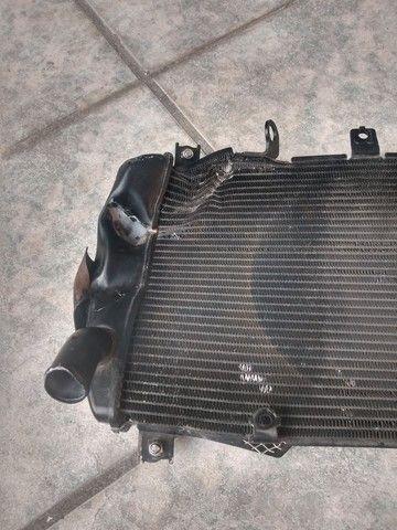 Radiador Kawasaki Z900 2018 P/ recuperar - Foto 2