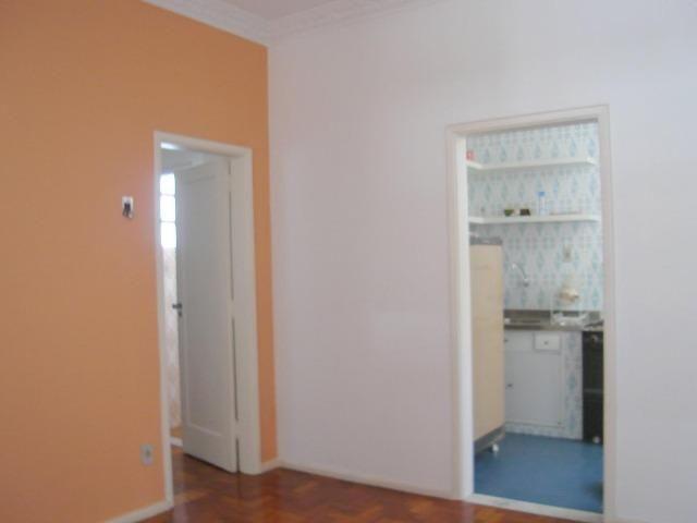 Apartamento sala e quarto no Flamengo, quadra da praia