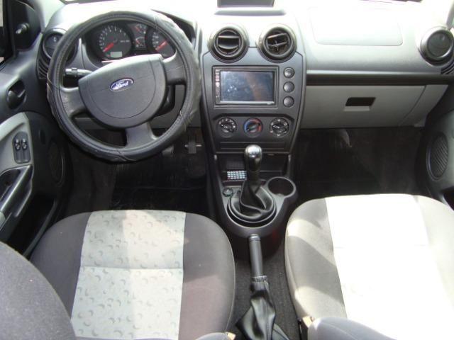 Ford Fiesta class flex 4 portas troco carro mais caro - Foto 12