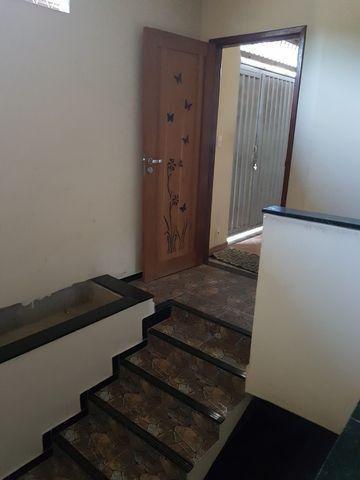 Casa com 4 quatros (3 suítes) / 3 vagas de garagem /terraço com churrasqueira - Foto 3