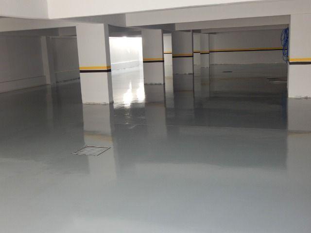 Pintura com resina epóxi para piso - Foto 2
