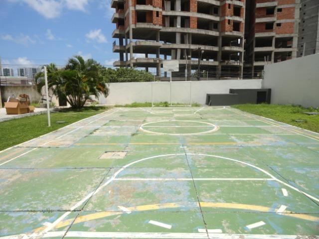 AP0303 - Apartamento com 3 dormitórios à venda, 108 m² por R$ 300.000 - Papicu - Foto 2
