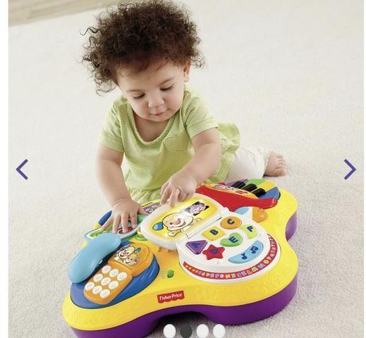 Mesa de Atividades Bilíngue do Cachorrinho - Fisher-Price e dois brinquedos importados - Foto 5