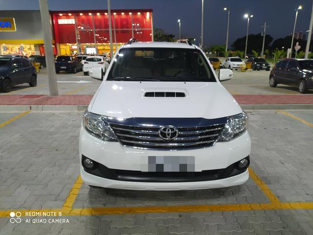 Hilux sw4 7 lugares ( 2015 ) r$:147.900