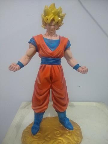 Estátua Goku 48 cm