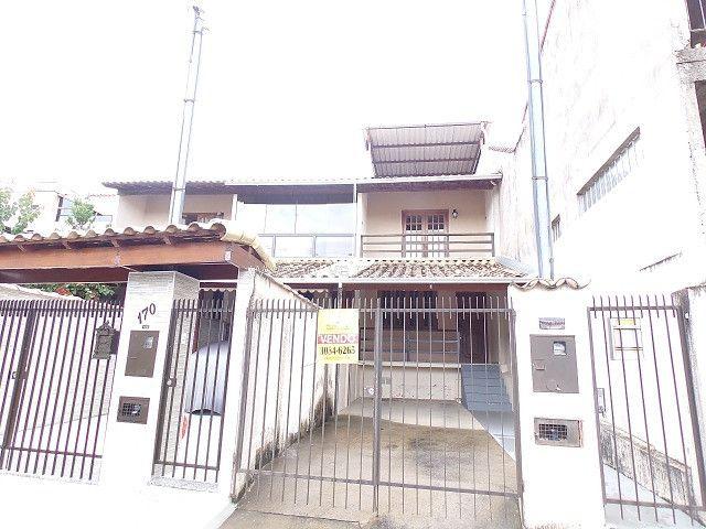 (J4) - Excelente casa a 750 metros do portão da UFJF
