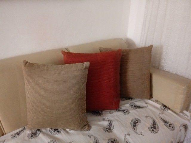 3 Almofadas camurçadas - Foto 2