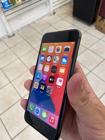iPhone 8 64gb preto com garantia // aproveite  - Foto 4