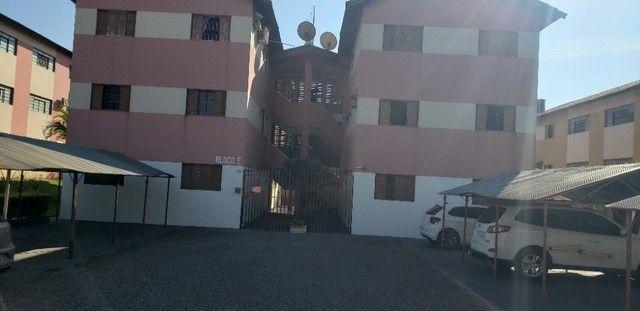 Com 03 quartos em frente ao Hospital Rosa Pedrossian - Foto 2