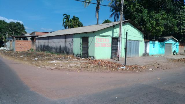Vendo ou troco casa de Esquina por Carro 110.000,00