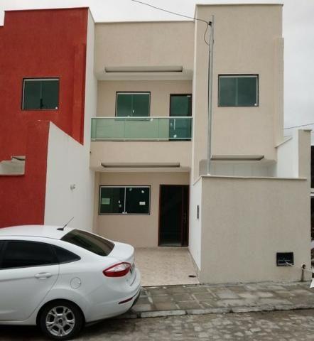 Casa em condominio fechado, com 3 quartos pronta para morar