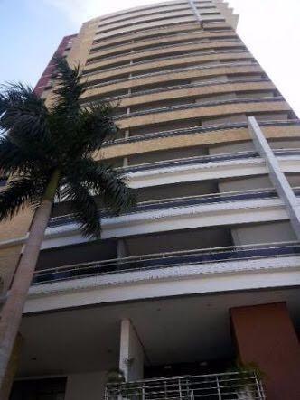 Apartamento no Edifício EL Grecco com 3 suítes em Manaus