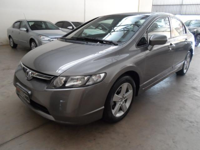 Honda Civic 1.8 LXS Automático Flex Completo 2008/2008 + Pneus Novos