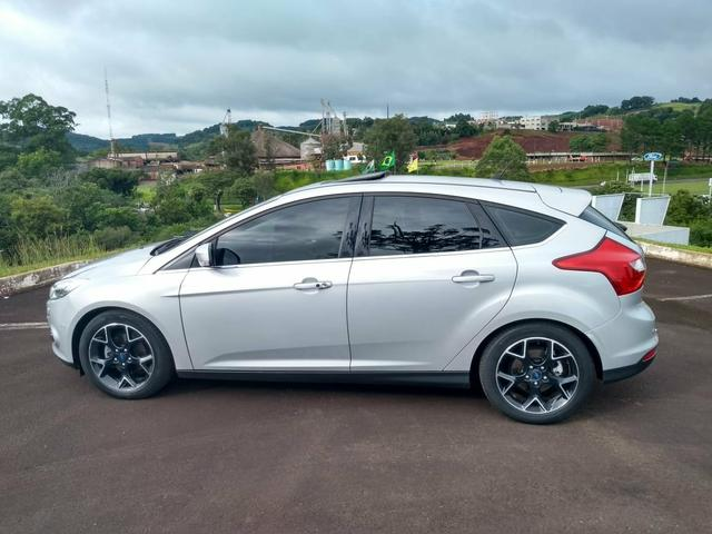 FORD Focus Titanium Plus 2015 Hatch - Foto 2