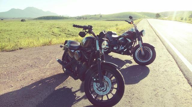 Harley 883 por FatBoy ou FatBob