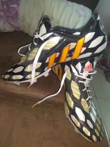 5adee4ec3385a Chuteira Adidas Predator 2014 (Modelo Profissional) - Esportes e ...