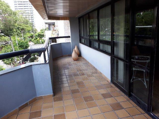 250 m², 3 suítes, gabinete, dependência, 3 vagas - Foto 8