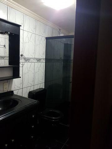 Casa com 4 quatros (3 suítes) / 3 vagas de garagem /terraço com churrasqueira - Foto 4