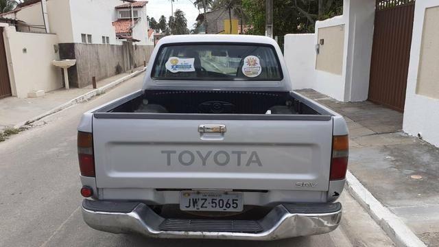 Caminhonete Toyota Hilux 2004