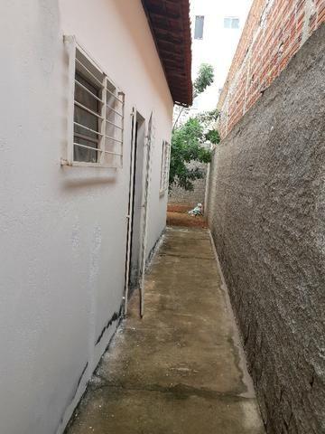 Vende-se ótima casa no bairro DNER, 3 quartos, 3 banheiros. ótimo preço 200 mil - Foto 18