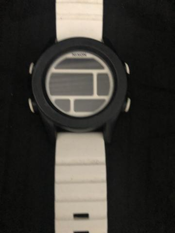 Relógio digital nixon