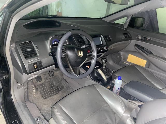 Vendo ou troco Honda Civic já financiado - Foto 2