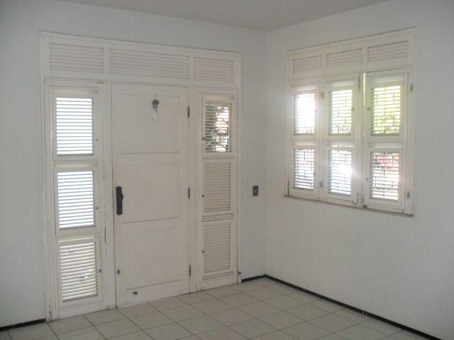 Excelente casa, com 04 quartos no Cambeba - Foto 5