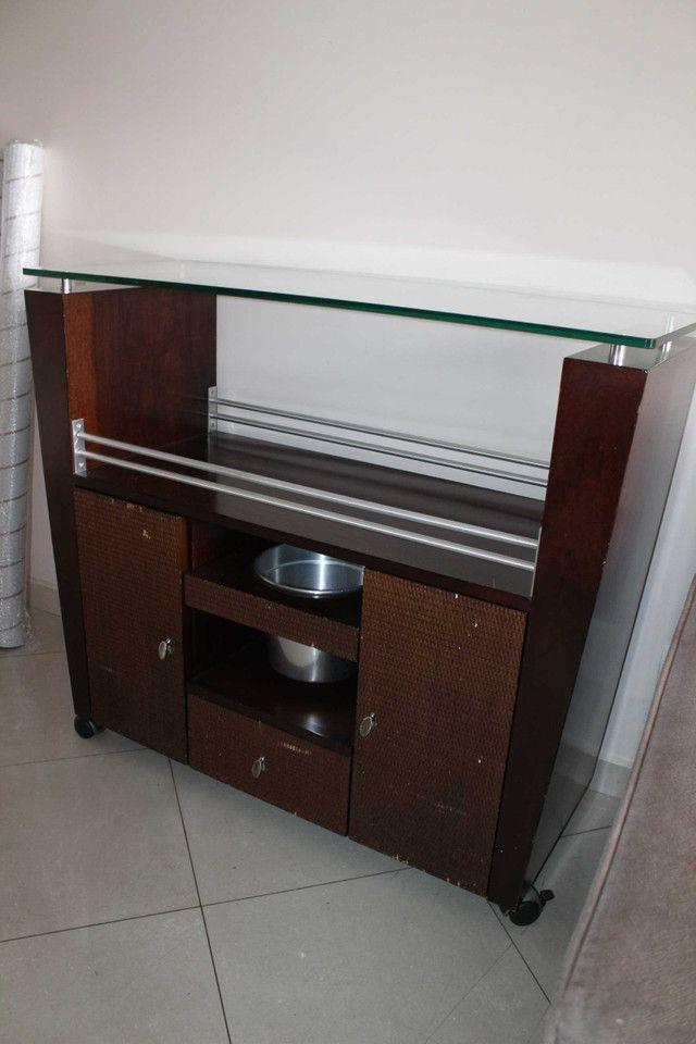 Bar / Buffet c/ 3 Gavetas / 1 Balde para gelo  e Rodas / em Vidro / MDP Marrom 92 cm x  1 - Foto 6