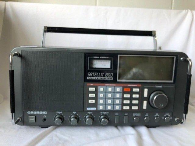 Rádio Mundial Satellit 800 Millennium