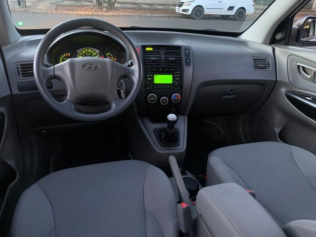 Hyundai TUCSON GLB 2.0  (CAMB.MANUAL) - Foto 9