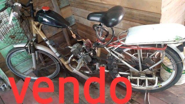 Vendo Bicicleta Motorizada, valor mil reais. - Foto 2