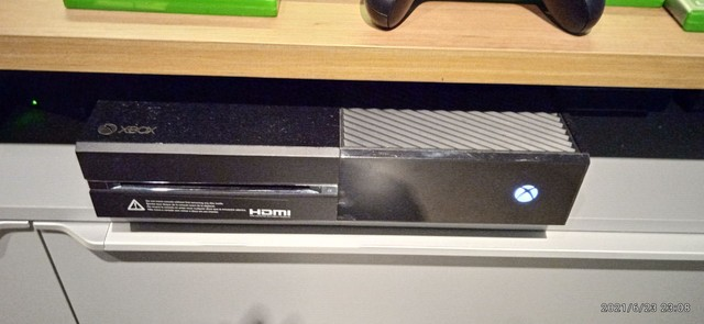Xbox One com jogos e controle . - Foto 2