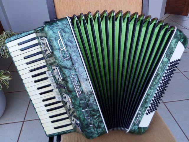 Acordeon Todeschini Super 5, selo verde, revisada