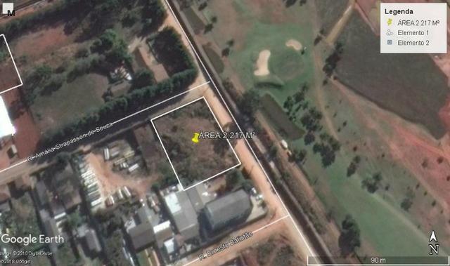 Área industrial 2.217 m²