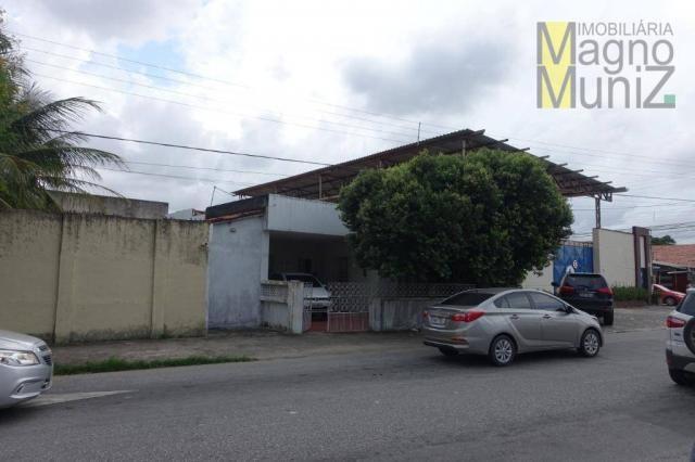 Excelente casa com ótima localização, situada á poucos metros do aeroporto. - Foto 2