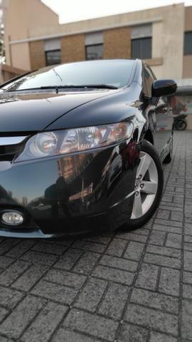 Vendo Honda Civic 2008 LXS Automático Facilito Financiamento - Foto 6